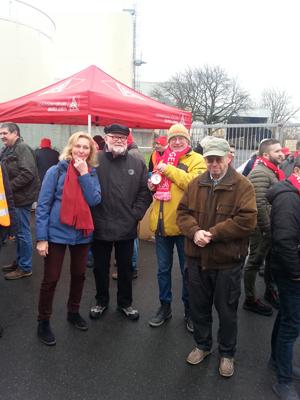 Solidarität beim Warnstreik der IGMetall 2017 in Wülfrath